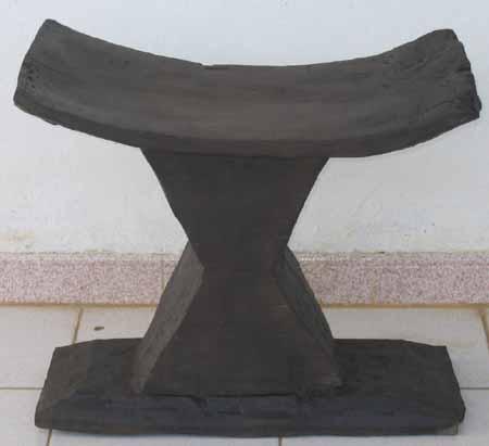 le siege traditionnel en afrique. Black Bedroom Furniture Sets. Home Design Ideas