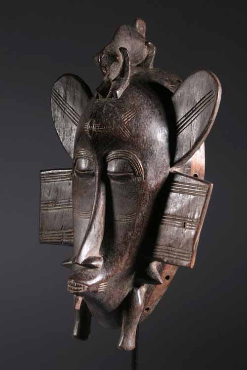 statue africaine moderne