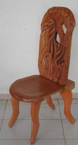 Chaise Africaine Bois la chaise à palabre ou chaise de gardien, meuble africain