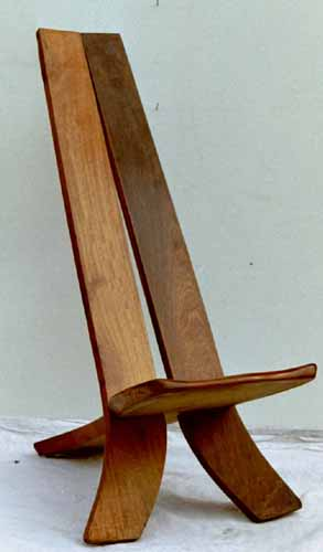 Chaise africaine en bois table de lit a roulettes for Chaise africaine