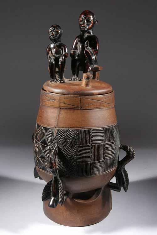Objets et accessoires utilitaires dans l 39 art et l for Objet artisanat d art