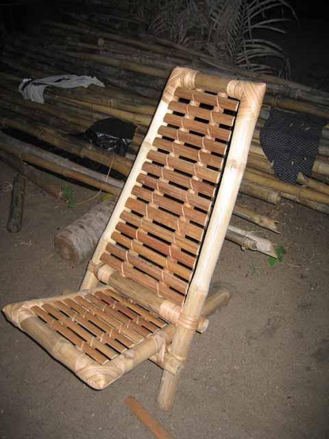 La Chaise En Bambou Est Terminee Il Ne Reste Plus Qua Vernir